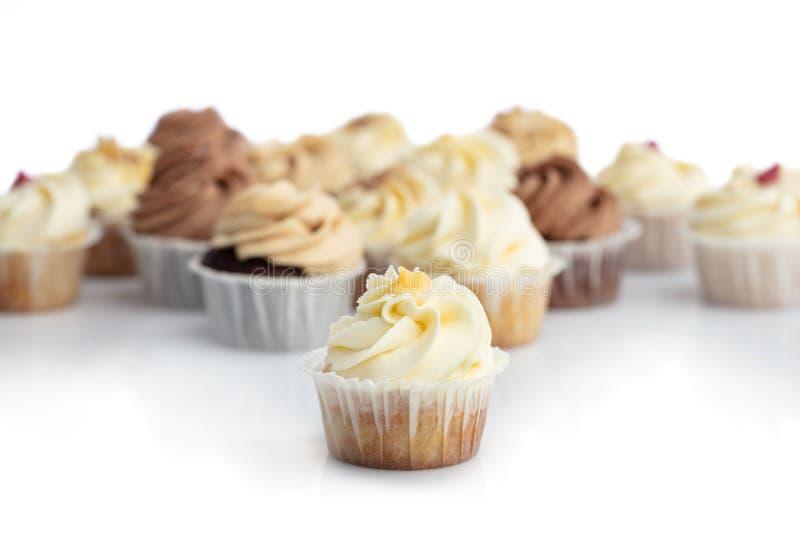 Berijpte citroen cupcake in een close-up stock foto's