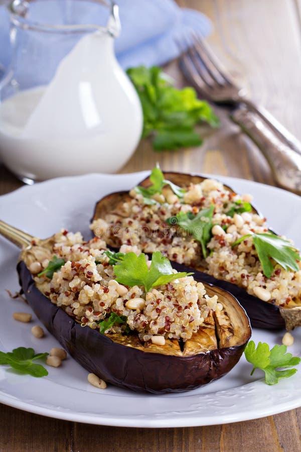 Beringela cozida com quinoa fotografia de stock