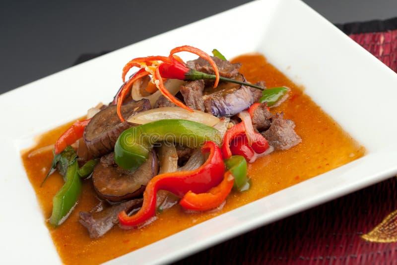 Beringela picante com alimento tailandês da carne imagem de stock
