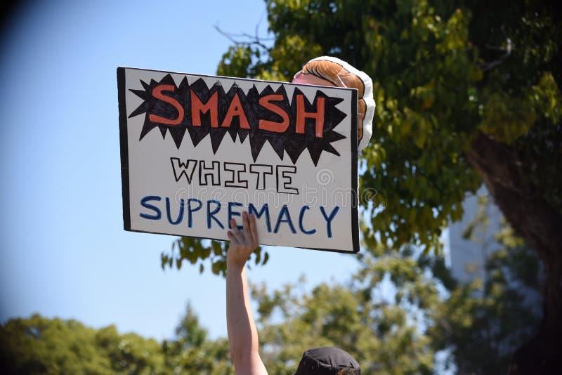Berkeley Protests Against Fascism, racisme, et Donald Trump photographie stock