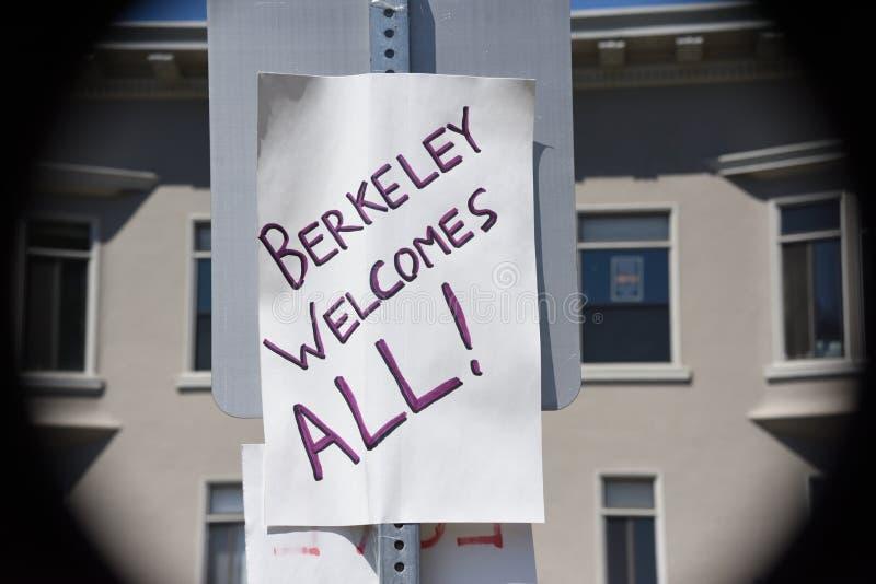 Berkeley Protests Against Fascism, racisme, et Donald Trump photos stock