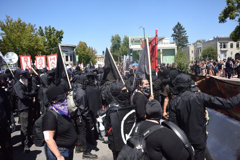 Berkley protesty Przeciw faszyzmowi, rasizmowi i Donald atutowi, obraz royalty free