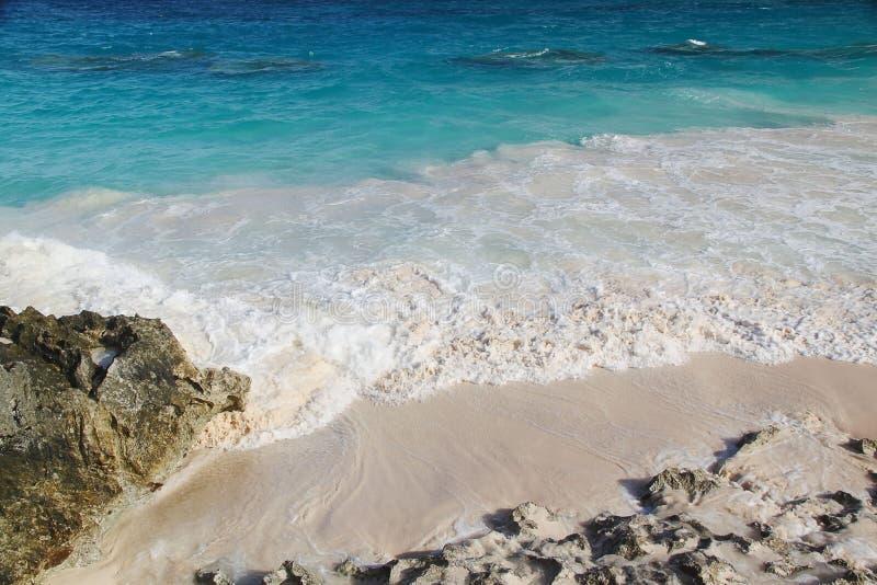 berkshires Καταπληκτικό τοπίο πετρών και τυρκουάζ νερό του Ατλαντικού Ωκεανού στοκ φωτογραφία με δικαίωμα ελεύθερης χρήσης