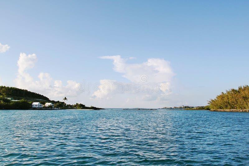 berkshires Μπλε νερό του Ατλαντικού Ωκεανού και του μπλε ουρανού στοκ εικόνα με δικαίωμα ελεύθερης χρήσης