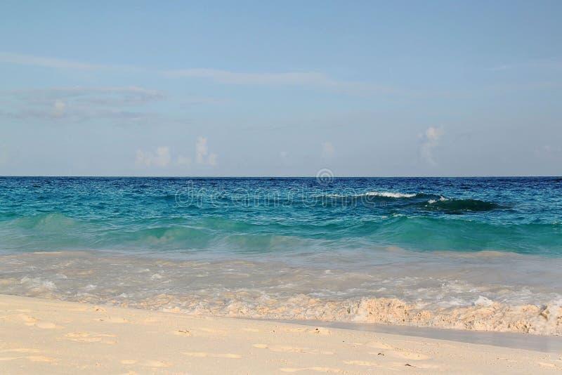 berkshires Τυρκουάζ νερό του Ατλαντικού Ωκεανού Φανταστική άποψη σχετικά με την παραλία στοκ εικόνες