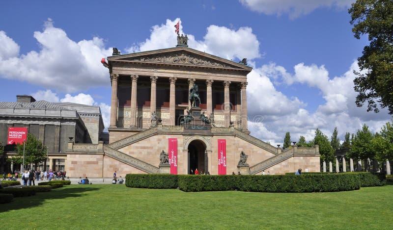 Berlín, Alemania 27 de agosto: Opinión nacional de Pérgamo y de Alte Galerie de Berlín en Alemania foto de archivo libre de regalías