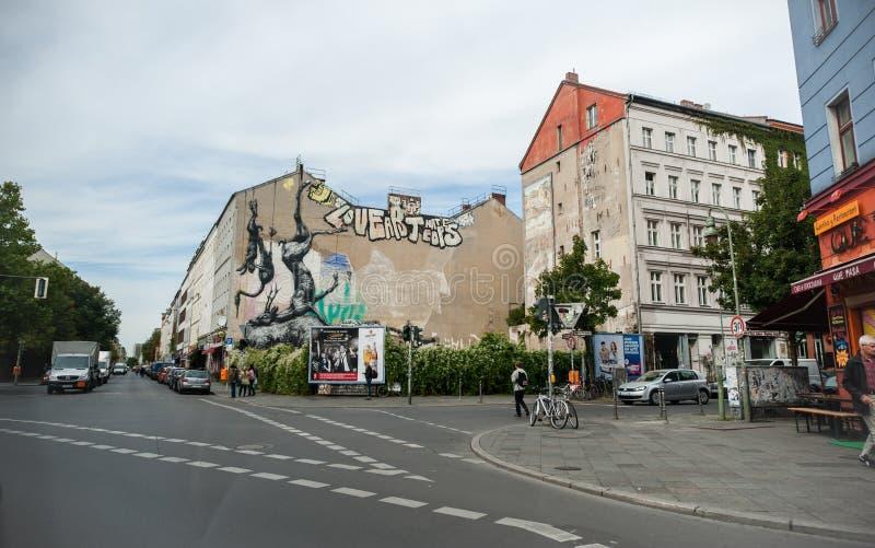 BERLÍN, ALEMANIA - 25 DE SEPTIEMBRE DE 2012: Arte de la calle en el área de Kreuzberg, Berlín fotografía de archivo libre de regalías