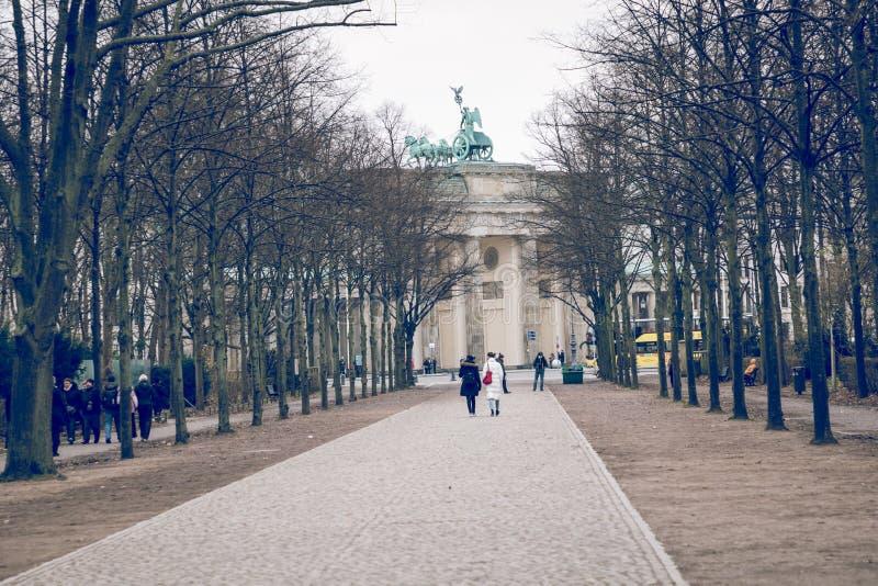 BERLÍN, ALEMANIA - DICIEMBRE 06,2017: Berlin Brandenburg Gate Bra fotos de archivo libres de regalías
