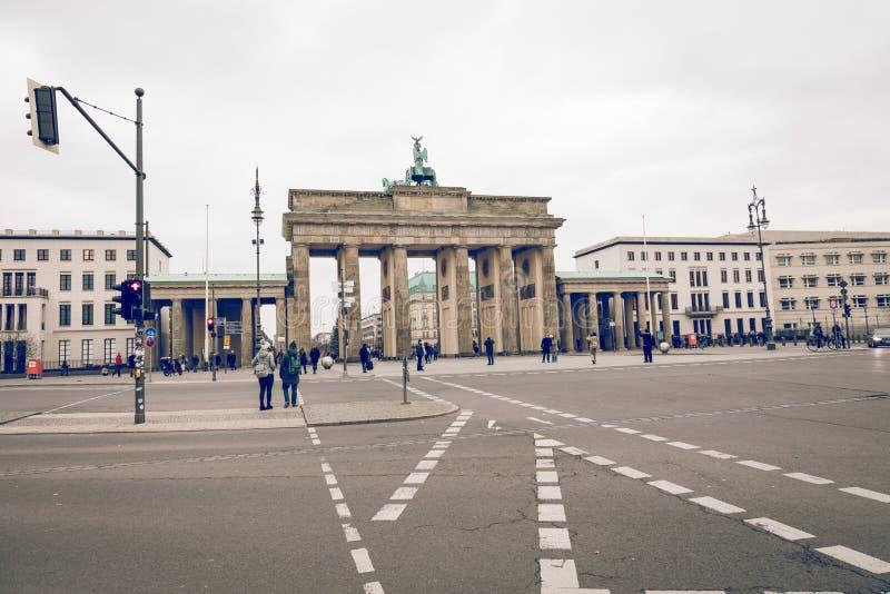 BERLÍN, ALEMANIA - DICIEMBRE 06,2017: Berlin Brandenburg Gate Bra imagenes de archivo