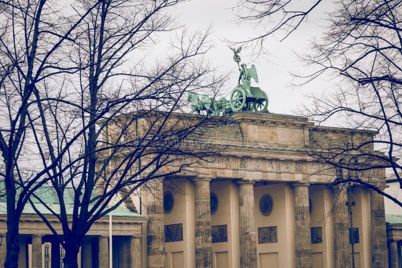 BERLÍN, ALEMANIA - DICIEMBRE 06,2017: Berlin Brandenburg Gate Bra fotografía de archivo libre de regalías
