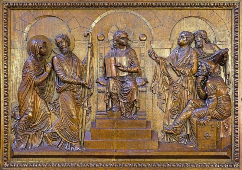BERLÍN, ALEMANIA, FEBRERO - 15, 2017: El alivio tallado doce viejo Jesús en el templo en St John la basílica baptista fotos de archivo libres de regalías