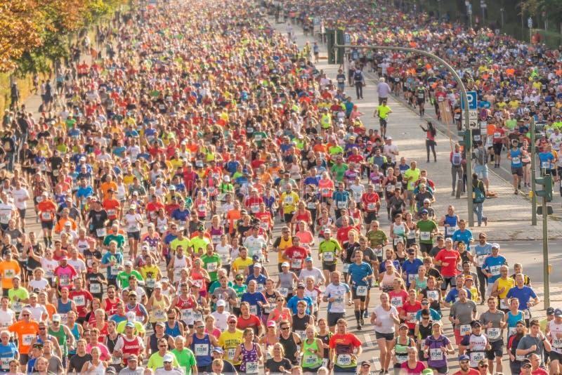 Berlín, Alemania, 16 09 2018: Berlín-maratón 2018 de BMW foto de archivo