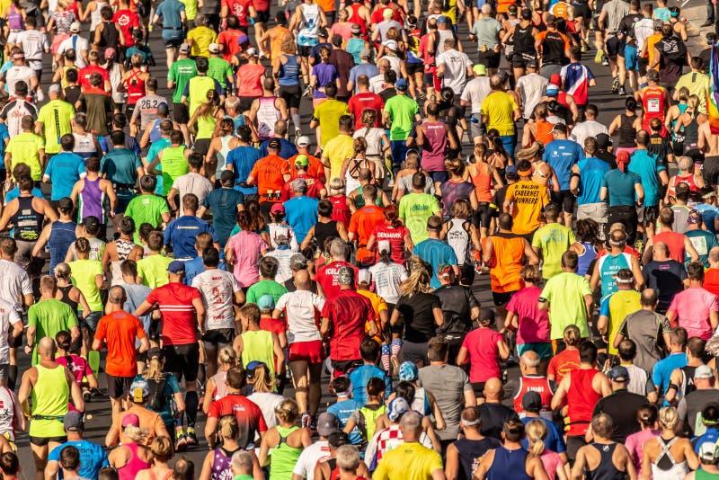 Berlín, Alemania, 16 09 2018: Berlín-maratón 2018 de BMW fotos de archivo