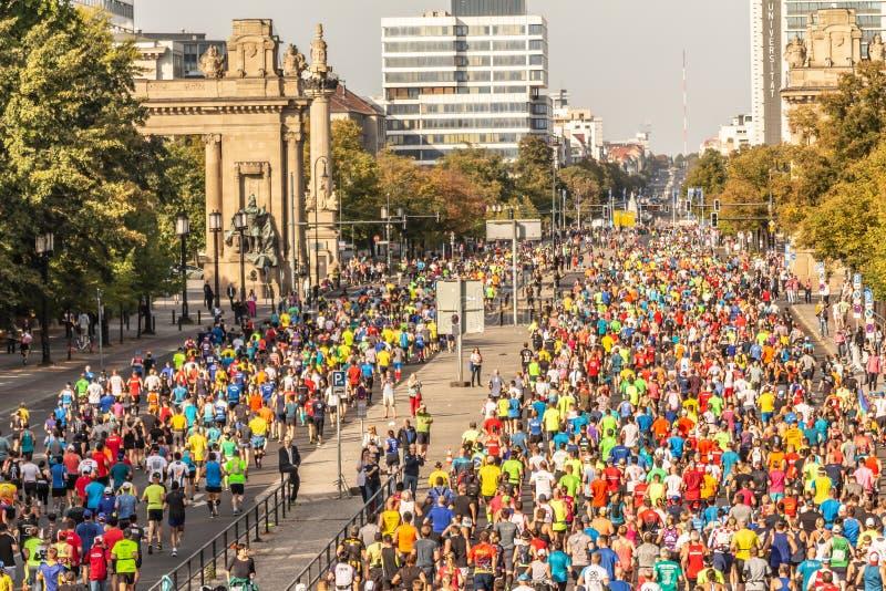 Berlín, Alemania, 16 09 2018: Berlín-maratón 2018 de BMW fotos de archivo libres de regalías