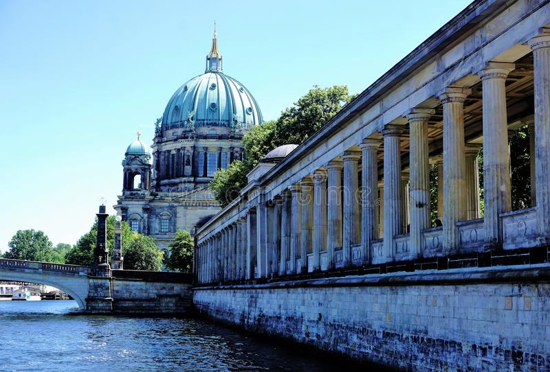 Berlín - catedral, río de la diversión y museo fotografía de archivo