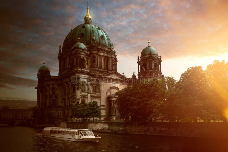 Berlín | Dom fotos de archivo