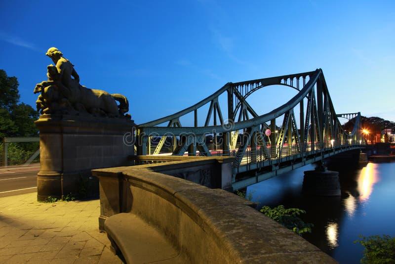 Berlín/Potsdam: Puente de Glienicker foto de archivo