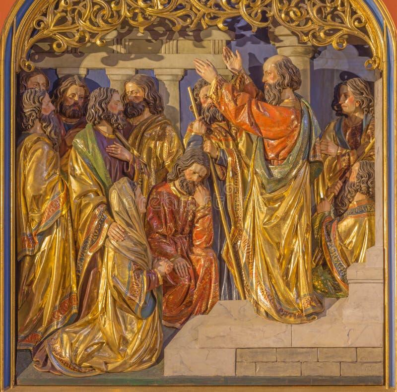 Berlín - sermón de San Pablo en Atenas en la colina de Aeropagus El alivio tallado en el altar principal de la iglesia de los Dom foto de archivo libre de regalías