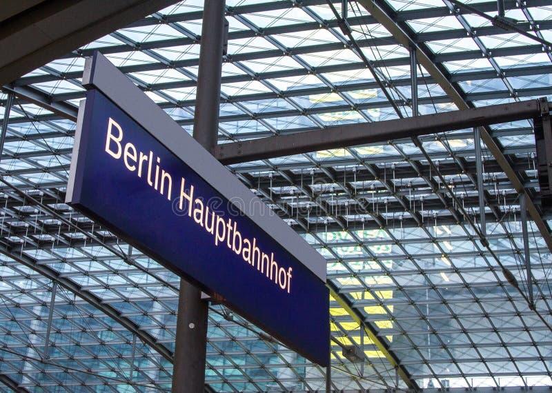 Berliński dworzec Hauptbahnhof zdjęcie stock