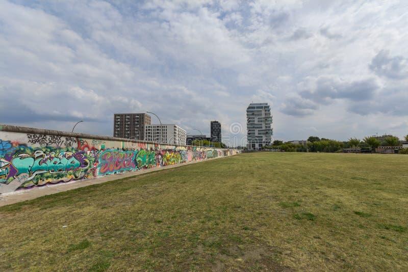 Berlińskiej ściany, wschodniej części galerii graffiti/ obrazy royalty free