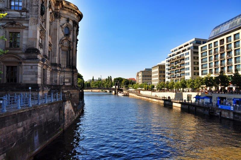 Download Berlińscy Dom Katedralni obraz stock editorial. Obraz złożonej z kopuły - 57658634