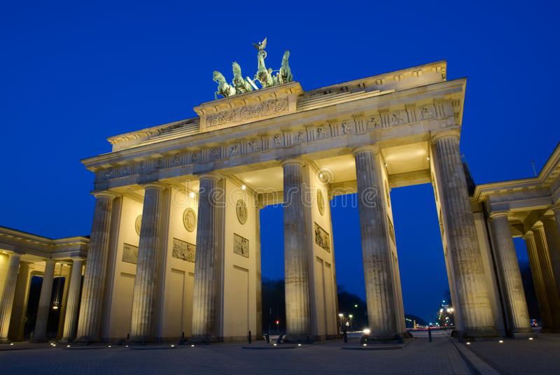 Berlijn: De Poort van Brandenburg stock fotografie