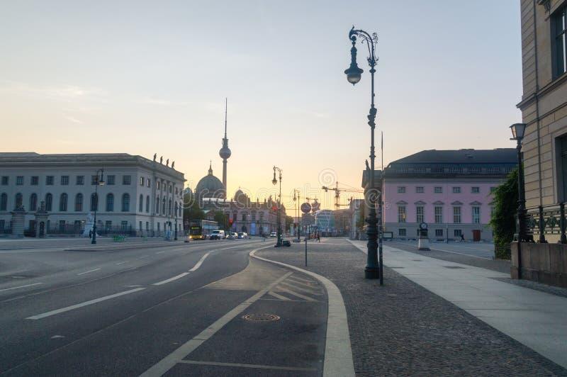 Berlijn, Duitsland - Augustus 16, 2018: Mening van één van belangrijkste stree royalty-vrije stock foto