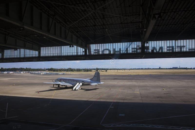 Berlijn, Duitsland, Augustus 2018; Vroeger Berlin Tempelhof Airfield stock afbeeldingen