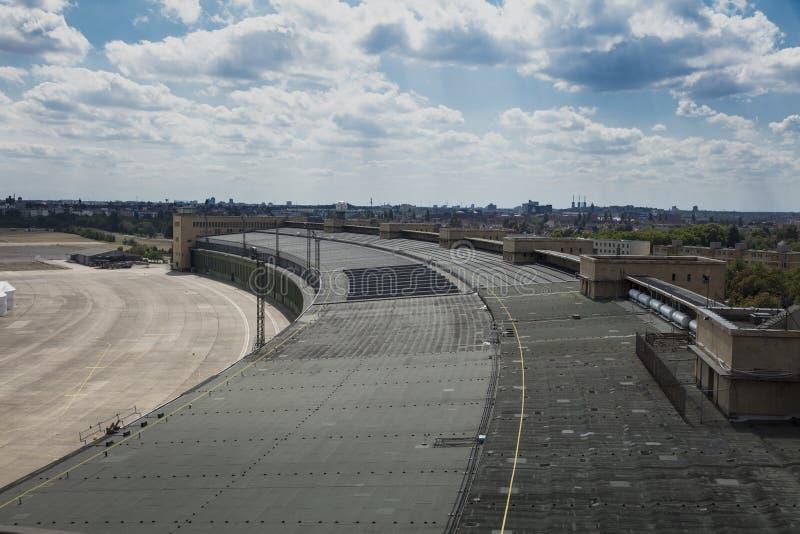 Berlijn, Duitsland, Augustus 2018; Vroeger Berlin Tempelhof Airfield royalty-vrije stock fotografie