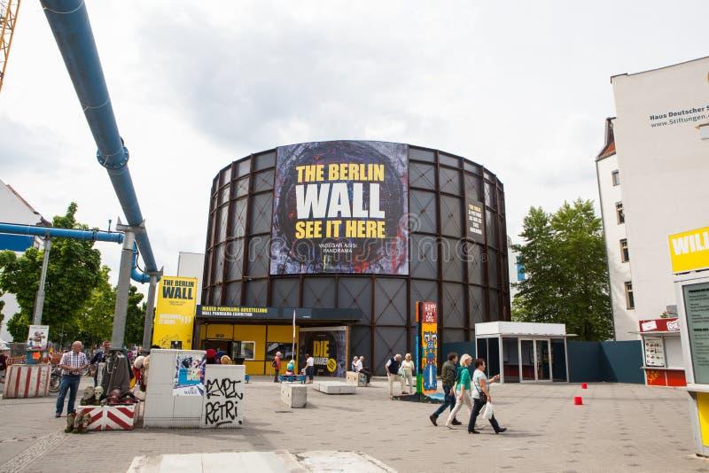 Berlijn, Duitsland Controlepost Charlie stock afbeeldingen