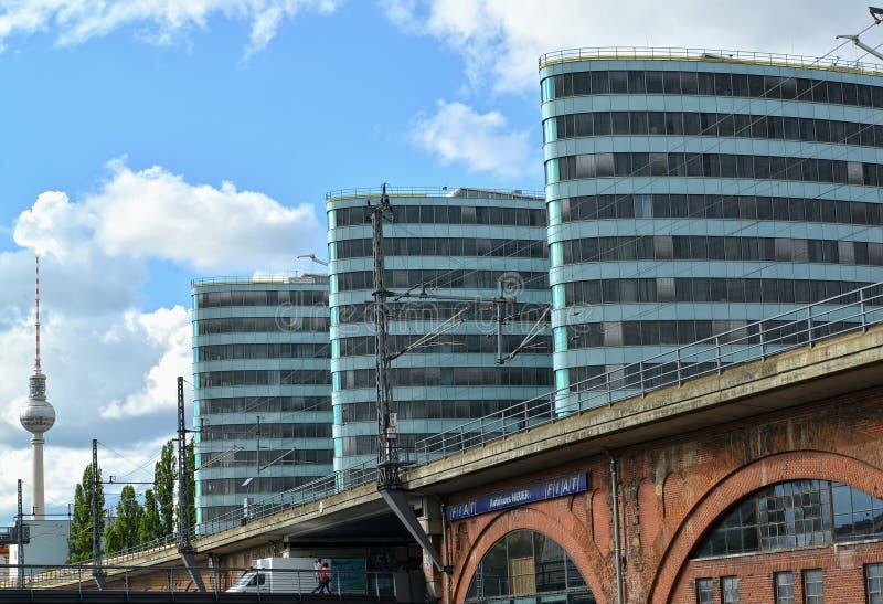 Berlijn, Duitsland Drie high-rise bureaugebouwen royalty-vrije stock fotografie