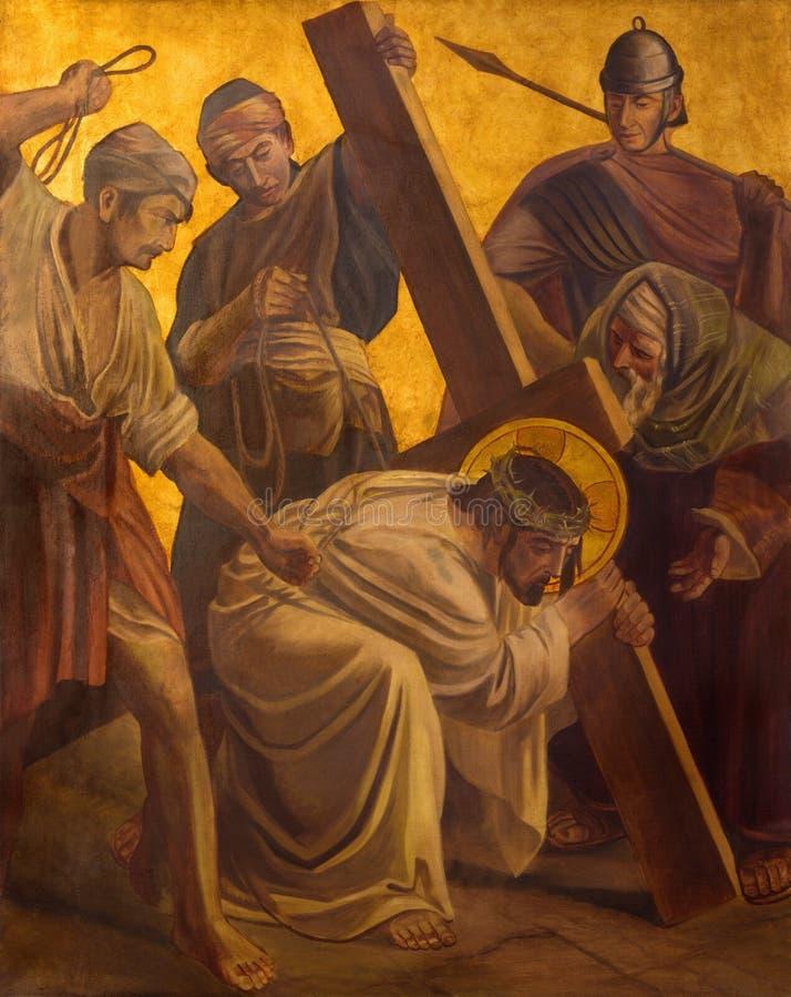 BERLIJN, DUITSLAND, FEBRUARI - 16, 2017: De verf op de metaalplaat - de daling van Jesus onder kruis stock afbeelding