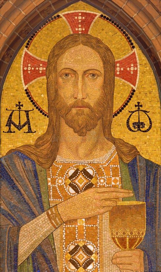 BERLIJN, DUITSLAND, FEBRUARI - 16, 2017: Het mozaïek van Jesus Christ in St Pauls evengelical kerk stock foto
