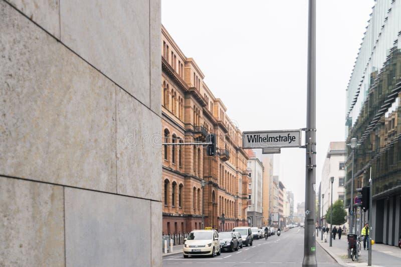 BERLIJN - OKTOBER 18, 2016: Een mening aan de rode baksteengebouwen in Berlijn royalty-vrije stock foto's