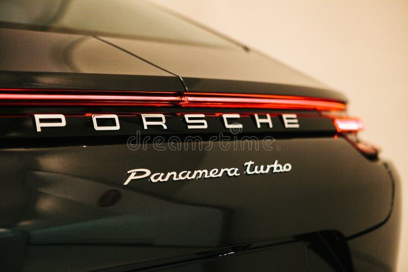 Berlijn, 22 Oktober, 2017: Volkswagen-Groep Forum - auto toon binnen royalty-vrije stock fotografie