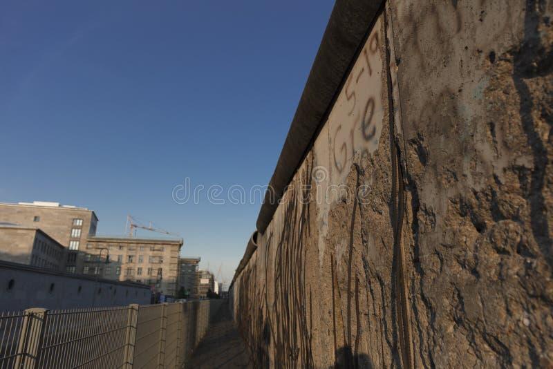 Berlim, Alemanha; 20 de agosto de 2018; sobras de Berlin Mauer o fotos de stock