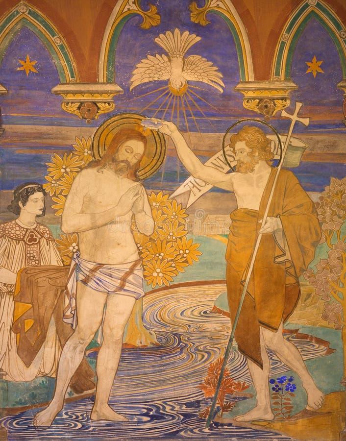 BERLIM, ALEMANHA, FEVEREIRO - 16, 2017: O fresco do batismo de Jesus na igreja evengelical do St Pauls imagem de stock royalty free
