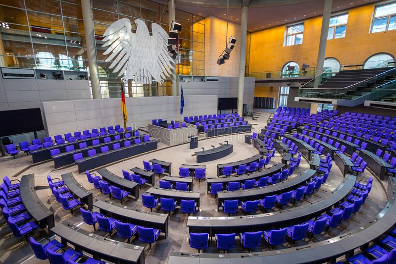 BERLIM, ALEMANHA - 5 jenuary, 2018: Interior da sala de reunião plenária de Salão do parlamento alemão Deutscher Bundestag foto de stock royalty free