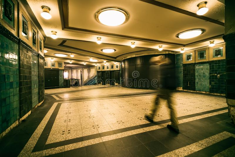 Berlim, Alemanha, o 8 de novembro de 2018: o interior de Heidelberger Plat imagem de stock