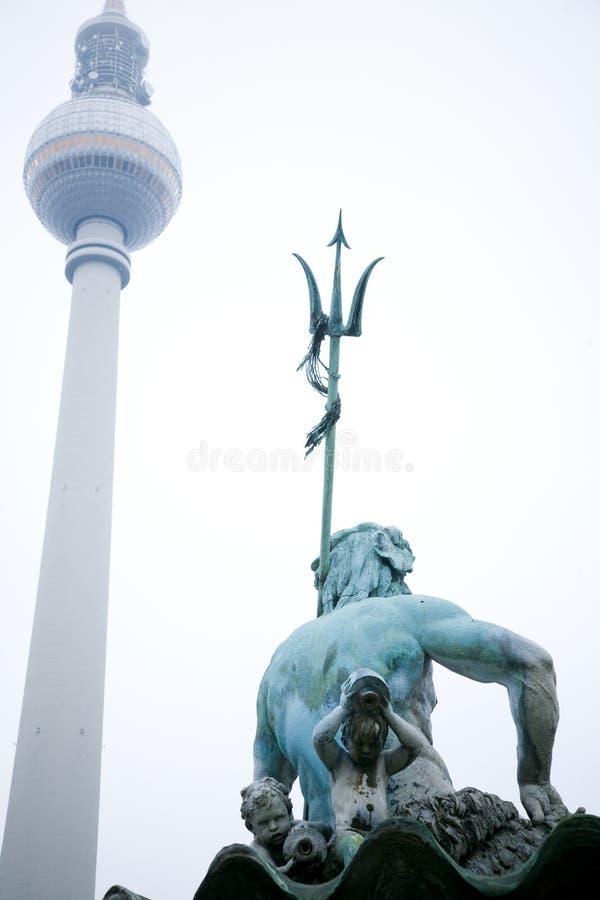 Berlim Fernsehturm   foto de stock royalty free