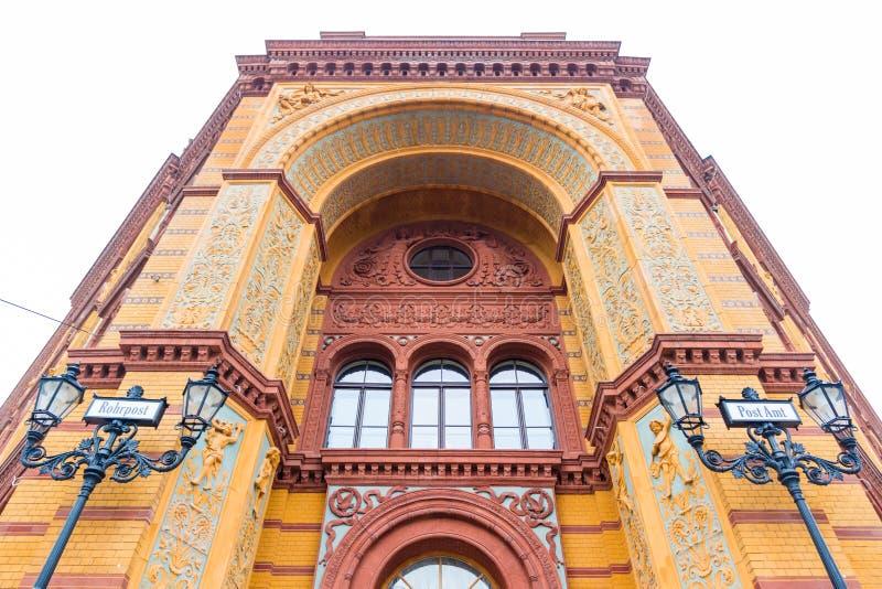 berlin Германия частность исторического почтового отделения в улице oranienburger стоковые фото