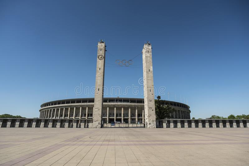 BERLIN, ALLEMAGNE, LE 8 MAI 2018 : L'entrée d'Olympiastadion à Berlin, photographie stock libre de droits