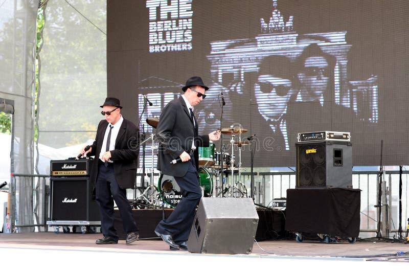 Berlin Blues Brothers i konsert royaltyfria bilder
