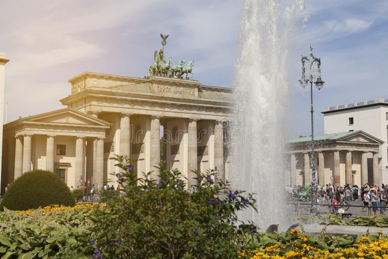 berlin brandenburgerport arkivbilder