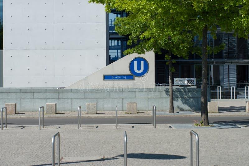 berlin bundestag помещает подземку стоковое фото