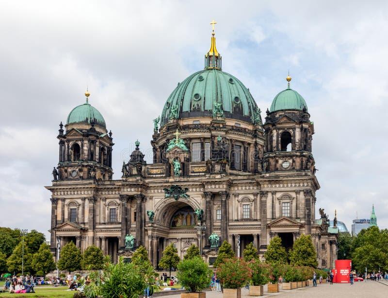Berlin Cathedral of Berliner Dom, een oriëntatiepunt in Berlijn stock foto's