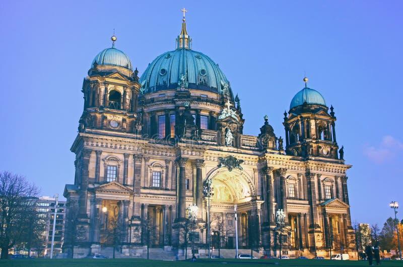 Berlin Cathedral Berliner Dom en la tarde imágenes de archivo libres de regalías