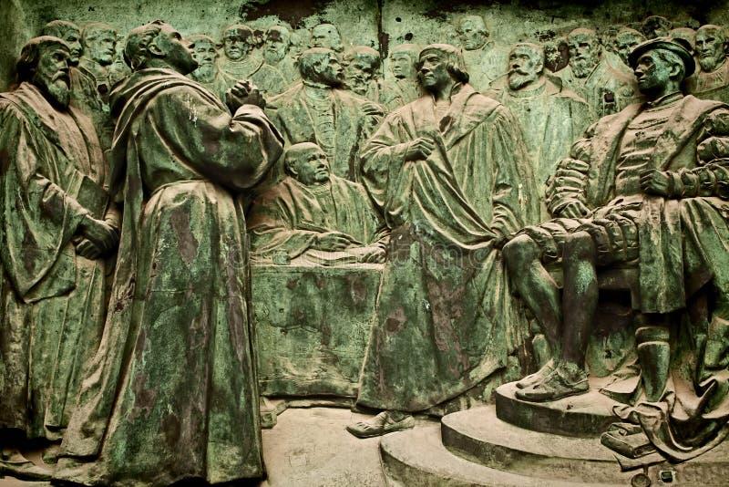 Berlin Cathedral bronsbasrelief som föreställer Martin Luther royaltyfria foton