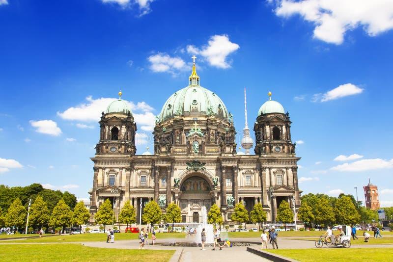Download Berlin Cathedral Church redactionele stock afbeelding. Afbeelding bestaande uit museum - 107703794
