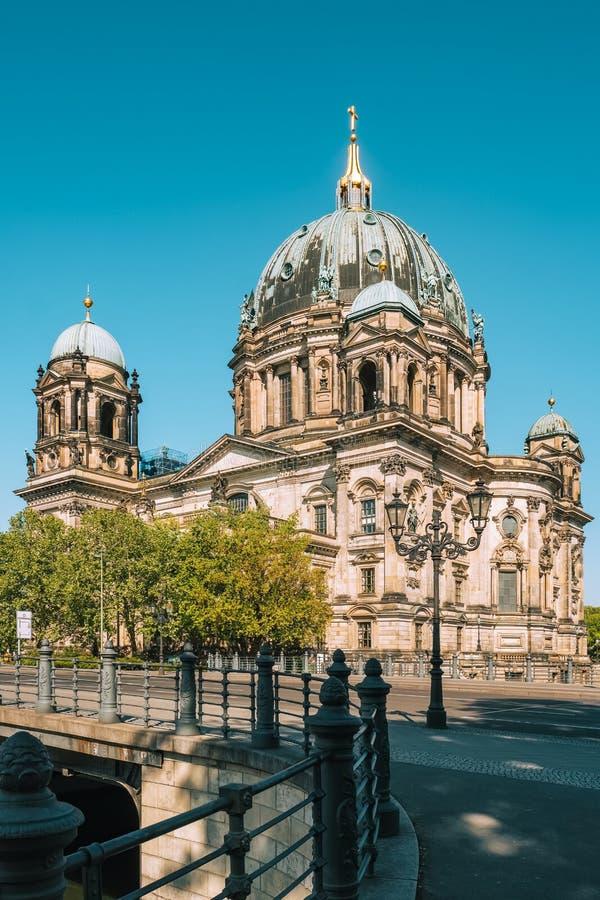 Berlin Cathedral ou les DOM berlinois sur l'île de musée photo libre de droits